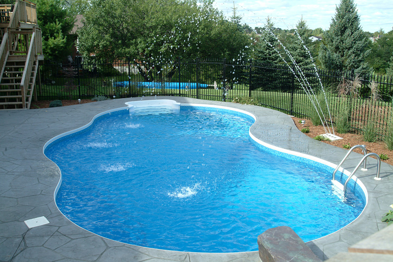 Kidney pool kidney pool shape pictures swimming pool for Kidney shaped pool designs