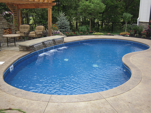 Kidney shaped pool swimming pool quotes for Kidney shaped pool designs
