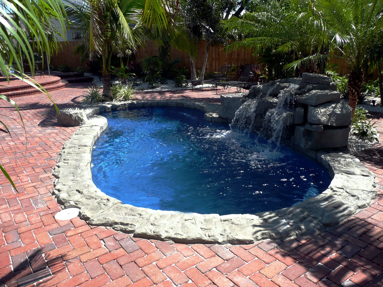 Fiberglass swimming pool swimming pool quotes for Pool design help