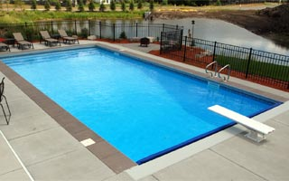Vinyl swimming pool swimming pool quotes for Least expensive inground pool