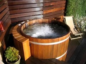1347203838nice hot tub image