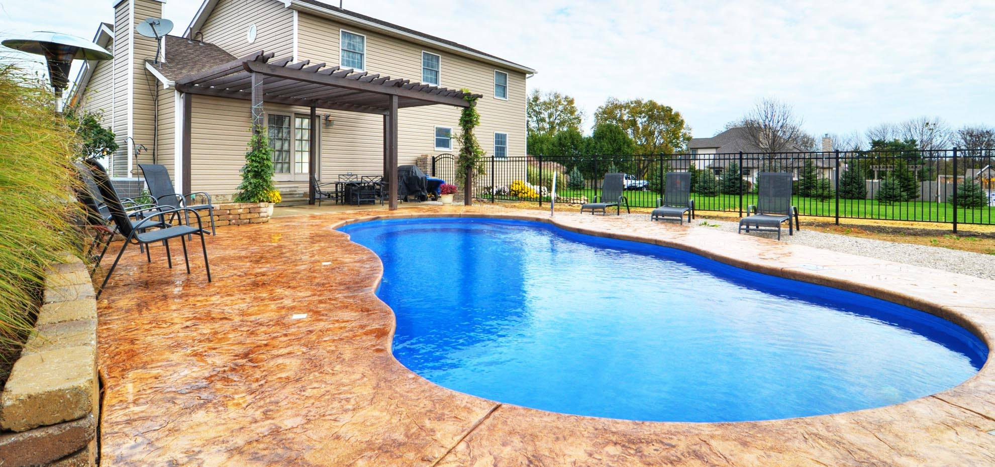 Pioneer valley fiberglass pools swimming pool quotes - Riviera fiberglass pools ...